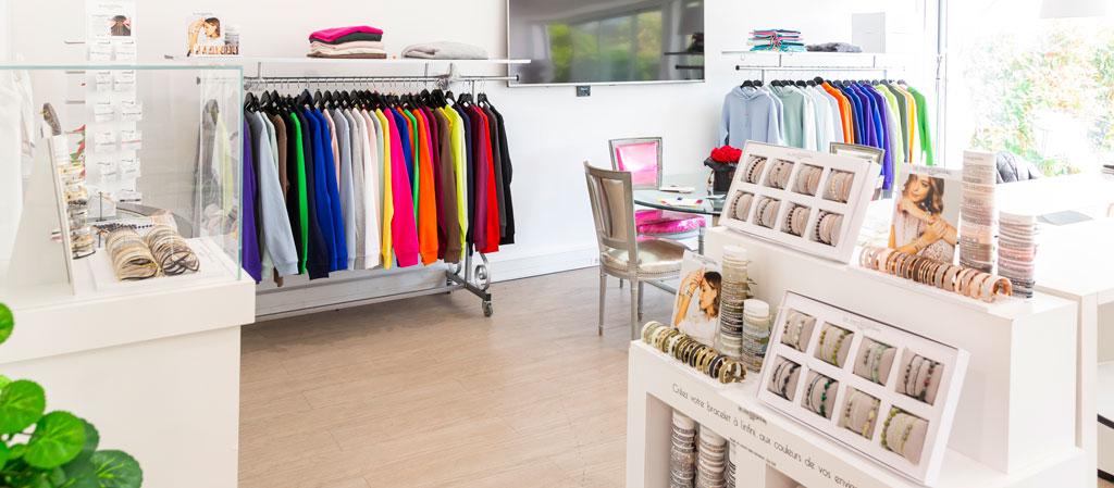showroom Li by Les Interchangeables - Bijoux fantaisie made in Fran,ce et sweats personnalisables à message unisexe
